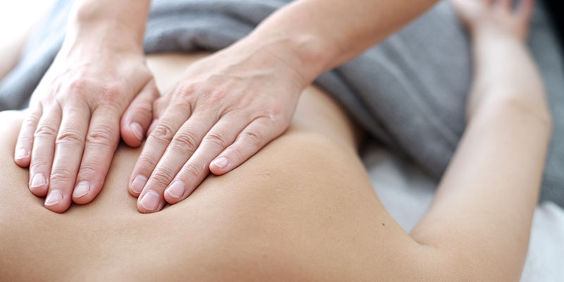 Massage bei Physiotherapeutin Mag. Verena Holz, Sportphysio und Taping